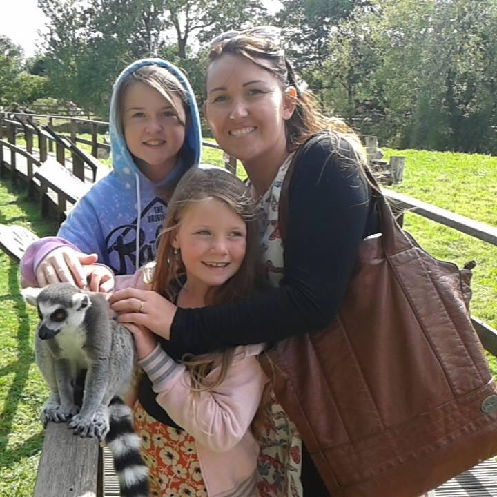 Rhian Jervis with her two daughters